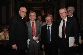 Jorge Bergoglio recebe membros da B'nai B'rith em catedral