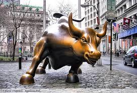 O touro é símbolo de crescimento e ganhos, e é tão importante que há inclusive uma estátua de bronze do animal em Wall Street.