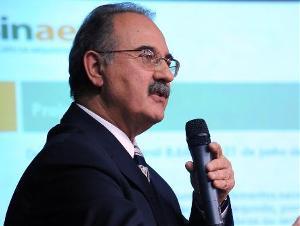 João Alberto Viol presidente do Sindicato Nacional da Arquitetura e Engenharia Civil (Sinaenco)
