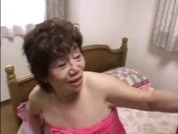 80歳手前の超熟おばあさんが数十年振りの性交で大興奮してるじュクじょ kiss