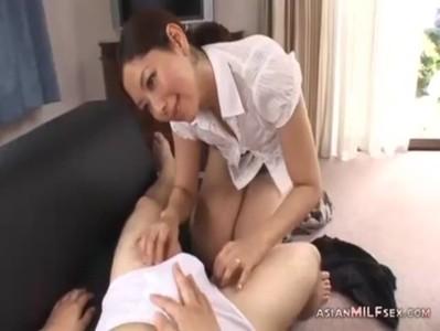 童貞が大好きな五十路美熟女のjyukujo動画