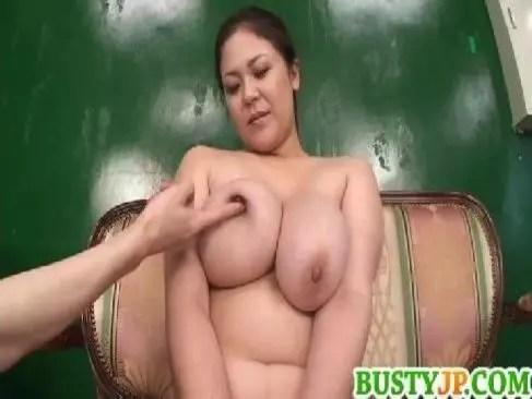 デブ系段腹完熟な熟年女が豊満な体を弄られ快感に喘ぎ男根を口淫してるjyukujo動画おばさん無料裏
