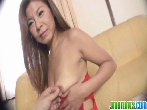 若作りしてる五十路おばさんがハメ撮りで淫らに性交をしてるおまんこなjyukujo50.com