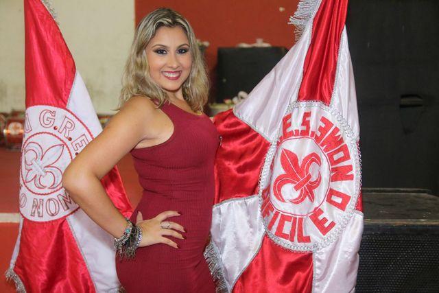 Apresentação da nova rainha de bateria da Difícil é o Nome, Aline Almeida   Por Daniel Pinheiro