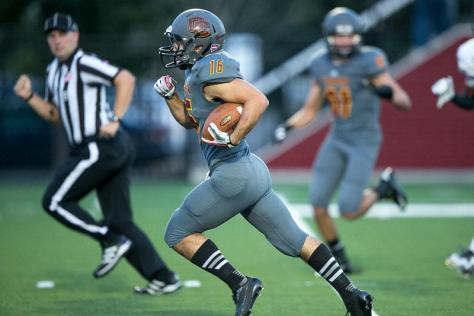 Sophomore Receiver Paces Men's Football