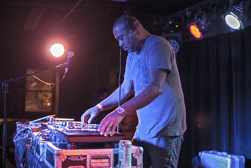 Detroit+house+music+producer+Mike+Huckaby+DJs+at+the+%E2%80%99Sco+last+Saturday.+Both+Huckaby+and+Japanese+electronic+musician+Soichi+Terada%2C+for+whom+Huckaby+opened%2C+kept+attendees+dancing+with+lengthy+but+entertaining+sets.