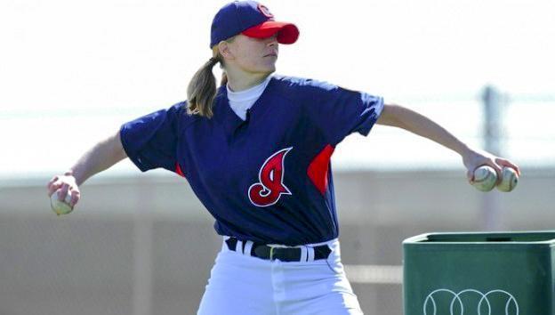 Justine+Siegal+makes+history+pitching+at+Cleveland%E2%80%99s+batting+practice.