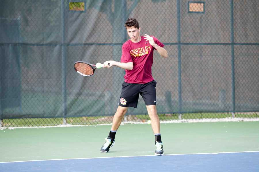 First-year+Stephen+Gruppuso+loads+up+for+a+forehand.+Grupposo+earned+wins+at+No.+3+singles+and+No.+2+doubles+in+Oberlin%E2%80%99s+decisive+6%C2%AC%E2%80%932+victory+over+conference+rival+Wabash+College+Saturday.+