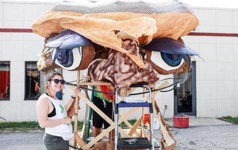 Building Big Parade: Fun Float Extravaganza