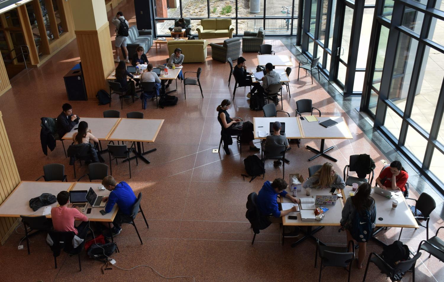 Students working in the Science Center, where future global health classes could be offered for a proposed new academic concentration.