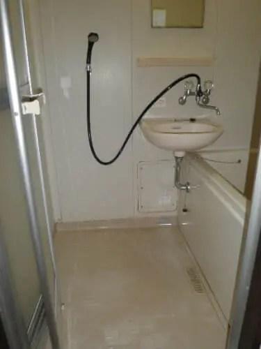 ゴミ屋敷の水回りクリーニングでひどい汚れをキレイに洗浄 片付け業者のトリプルエス