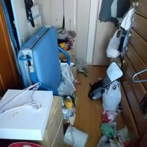 不用品が多すぎてまともに歩けない部屋の片付け回収サポート業者 大阪のトリプルエス