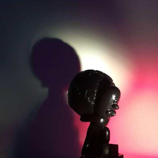 #samuel #earth #sisyfos #statue #laikku #kulttuuritalolaikku #generalclaystudios Miniature sculpture of Samuel, feat. the weight of the World, executed by Christian Jutte / GCS. Exhibited on Laikku /TRE.