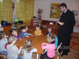 sfantul dimitrie in mijlocul copiilor- 02