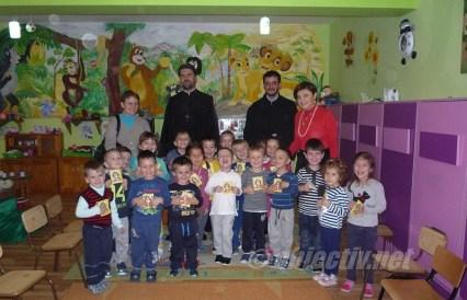 sfantul dimitrie in mijlocul copiilor- 05