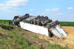 accident tir combinat slobozia - 04