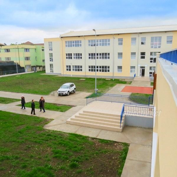 """Ialomița: Cel mai modern campus școlar din regiune, finalizat la Liceul Teoretic """"Carol I"""" din Feteşti"""