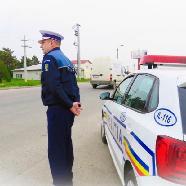 Ialomița: Acțiuni poliție. 18 baruri verificate, 400 persoane legitimate, 284 vehicule controlate