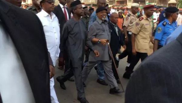 Yemi  Osinbajo Visits Scene Of Tanker Accident In Onitsha
