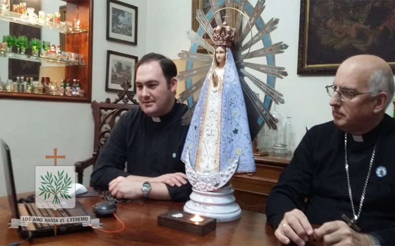 CABA | Mons. Olivera rezó el Santo Rosario con las Misioneras del BMMA y el BMGB