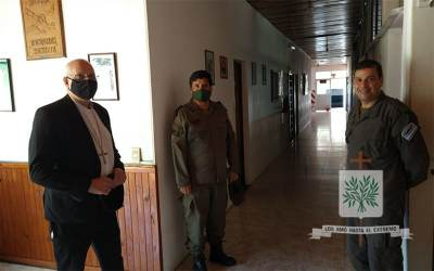 Corrientes | Mons. Olivera visitó el Escuadro 47 Ituzaingó de GNA