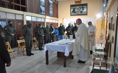 Bahía Blanca | Mons. Olivera visitó a nuestros fieles del Comando Región V de GNA