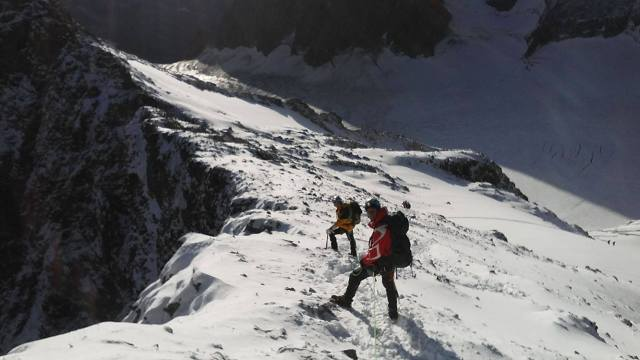 L'arête de neige finale de Roche Faurio