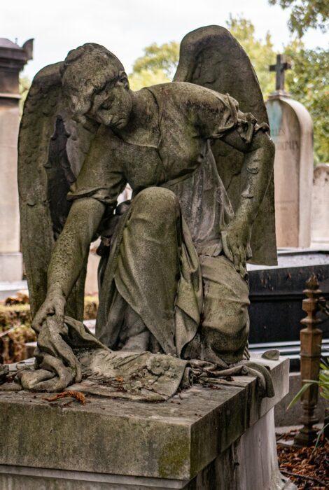 Statue Ange Pere Lachaise