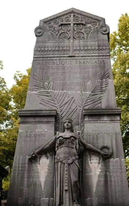 Tombe Jacques Clement-Thomas Pere Lachaise