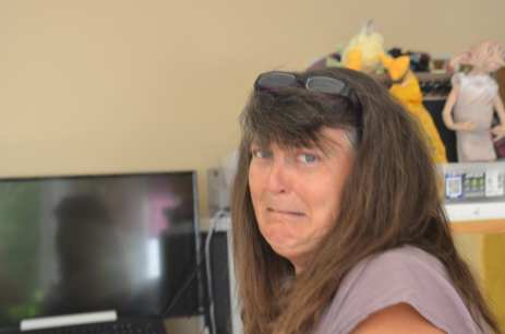 Christine vient d'apprendre qu'on va devoir rajouter encore des bandes