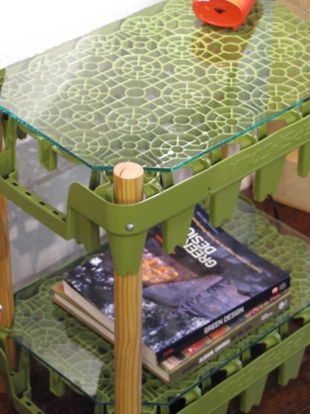 Soda side table (green, detail)