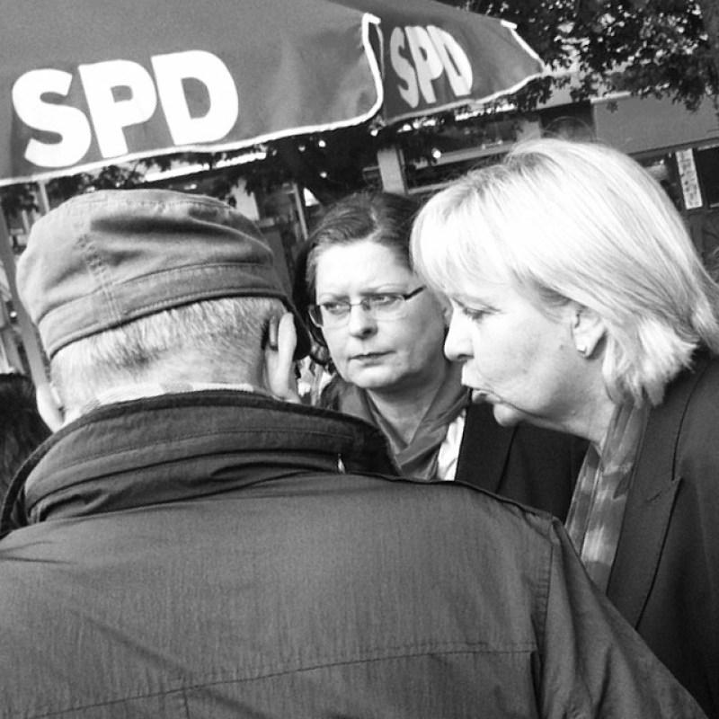 Hannelore Kraft + Christiane Karl beim SPD-Wahlkampf auf dem Marktplatz Aachen