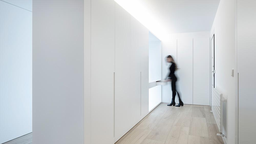 Vivienda GC, reforma integral y diseño de interior en el centro histórico de Valencia por onside - pasillo