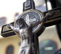 crucifix_web