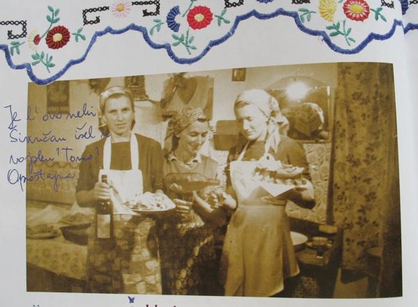 "fotografija iz sela Širinca (iz knjige ""Oblizeki - Moslavina za stolom"", Acumen)"