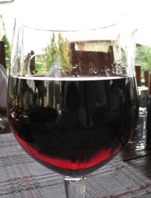 Odlična blatina na čaše, smao jedna od 23 s vinske karte (Snimila Božica Brkan / Acumen)