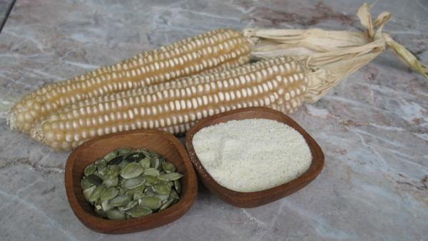uruz, brašno od bijeloga kukururuza i bučine koštice (Snimila Božica Brkan / Acumen)