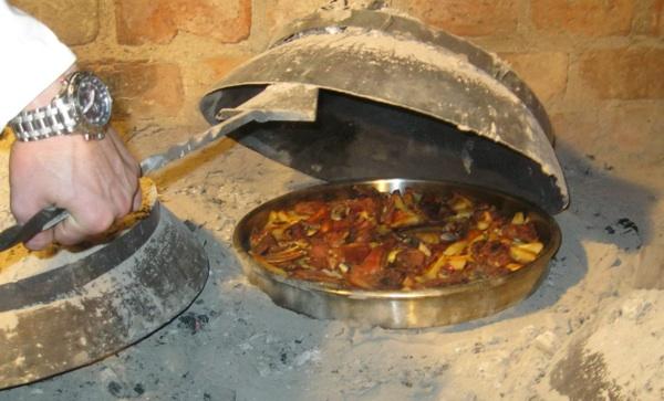 Krčka janjetina s povrćem ispod peke (Snimio Miljenko Brezak / Acumen)