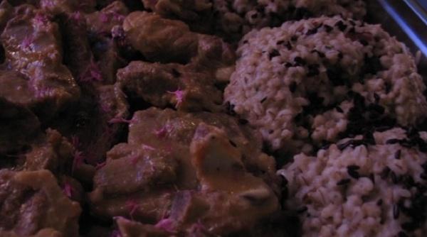 Kuhana ječmena kaša s divljom rižom kao prilog pečenoj svinjetini (Snimila Božica Brkan / Acumen)