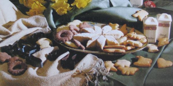 Crni i beli licitari, licitarski kolači, drobni prkači i prkačeci (Iz kataloga izložbe Vuzem od korizmene do maktane nedele)