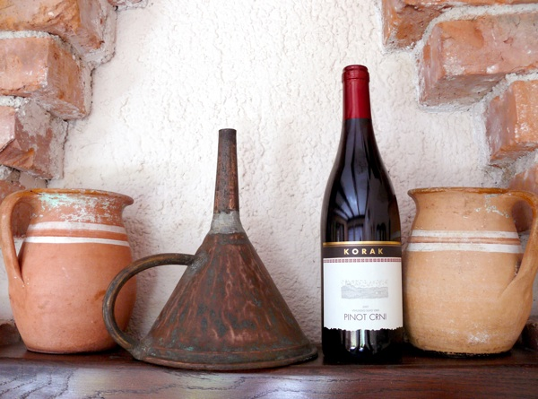 Detalj s Korakova imanja, gdje vas očekuju dobrodošlica, krasan pogled, odlična hrana i još bolja vina (Fotografija Turistička zajednica grada Jastrebarskog)