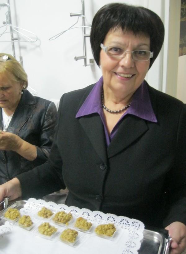 I sama proizvođač bučina ulja, tajnica Udruge proizvođača bučina ulja Hrvatske Marica Svetlečić s ponosom je nudila odličan i pomalo egzotičan rižoto začinjen i bučinim uljem (Snimio Miljenko Brezak / Acumen)