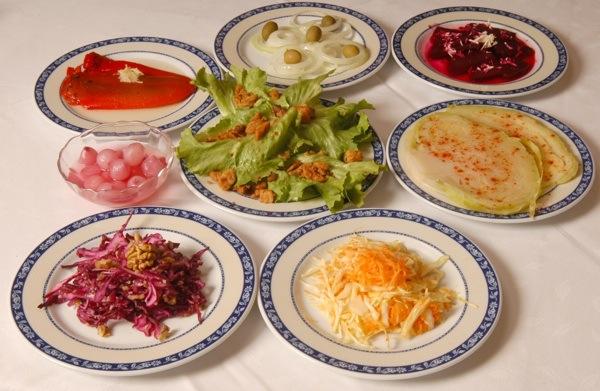 Pušlek Puntijarovih starinskih zvježih blagdanskih salata - ideje za vaš stol (Snimio Mišo Lišanin / Acumen)