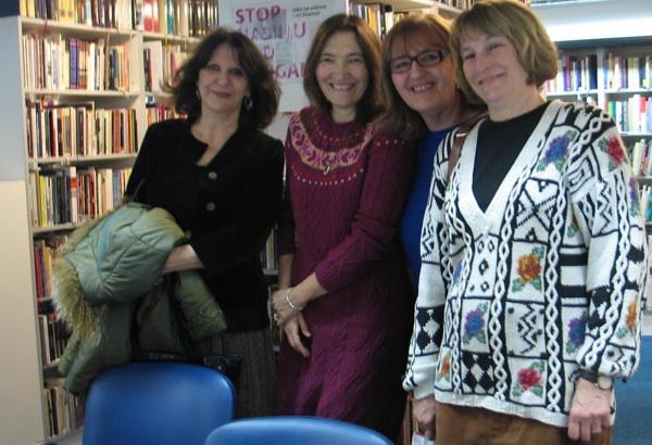 Branka Primorac s predstavljačicama svoje knjige dramskom umjetnicom Dubravkom Miletić i književnicama Sanjom Lovrenčić i Dubravkom Težak (Snimio Miljenko Brezak / Oblizeki)