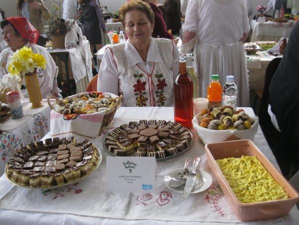 Gospođa Kiseljak za svojim kolačima (Snimio Miljenko Brezak / Oblizeki)