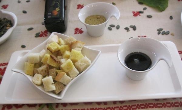 Sa stola OPG-a Bunjevac: bučino ulje, bučino brašno, bučine koštice...(Snimila Božica Brkan / Oblizeki)