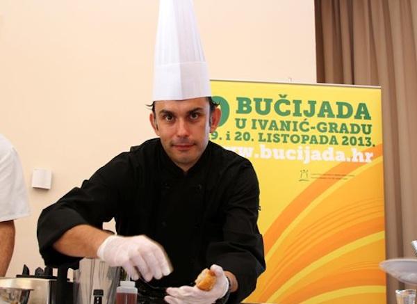 Praktični i vrlo jeftini prijedlozi desetak jela chefa Roberta zaokupili su njegove ivanićgradske kolege (Snimio Zoran Ožetski / Oblizeki)