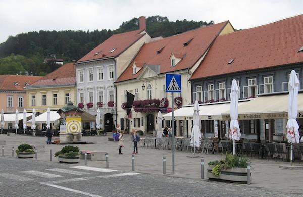Središnji samoborski Tomislavov trg (Snimila Božica Brkan / Oblizeki)