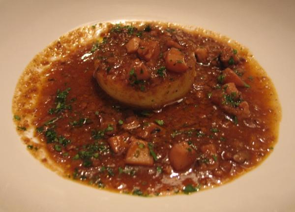 Za gastronautsku usporedbu Krka s Pagom: hobotnica poslužena na paški u restoranu Boškinac (Snimio Miljenko Brezak / Oblizeki)