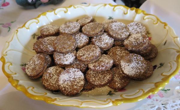 Gumbeki od oraha stvarno su vrlo fini i elegantni Snimio Miljenko Brezak / Oblizeki)